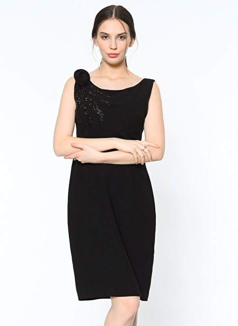 Selen Kolsuz Kısa Elbise Siyah